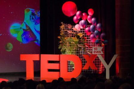 10 éves mérleg: 208 előadó, 2079 óra előadás, 270 ezer feletti nézőszám (forrás: TEDxYouth Budapest)