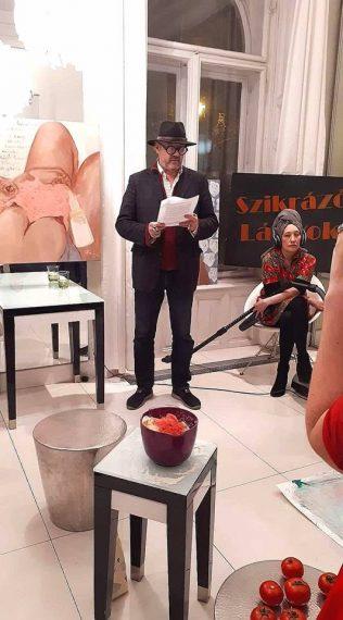 """Bojár Iván András nyitotta meg az """"Ideális nő"""" című kiállítást 2018. február 8-án - fotó: Andràssy Art"""