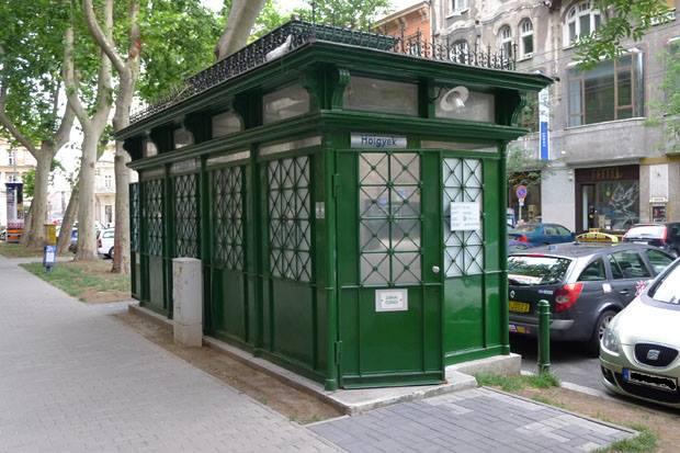illusztráció - nyilvános vécé a Klauzál téren