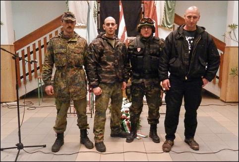 A polgármester (jobbról a második) és mai harcostársai