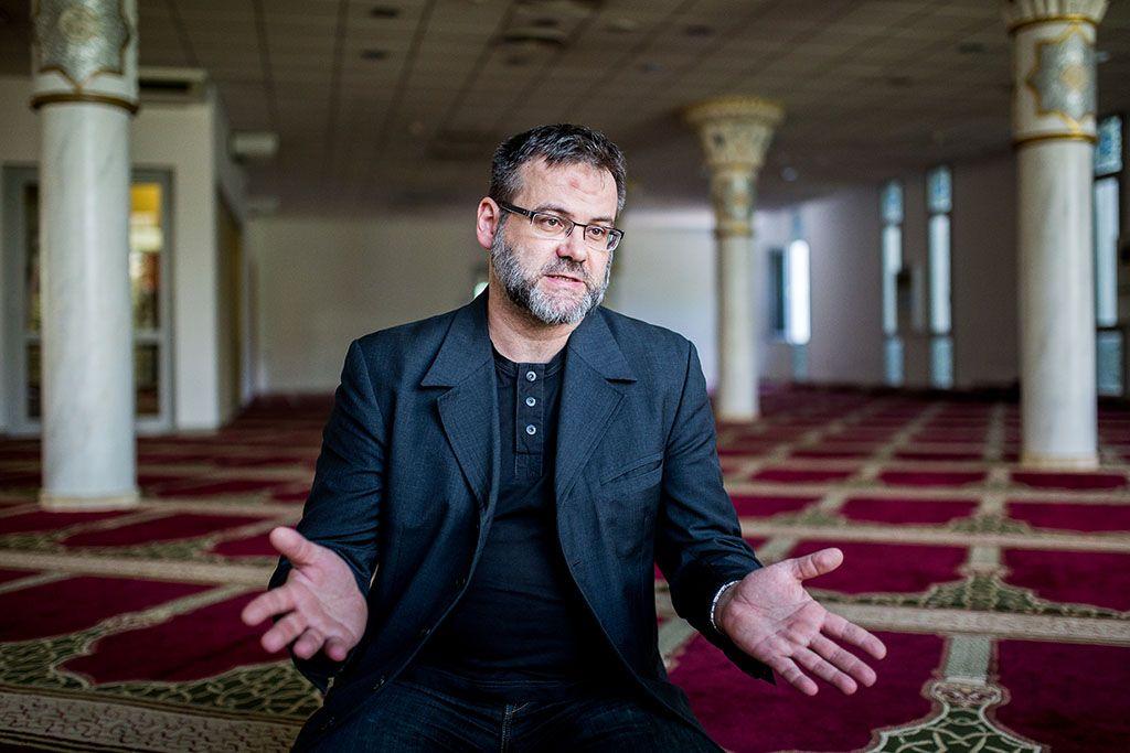 muszlim véleményt helyén ülések