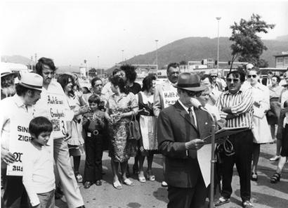 1973. Heidelberg – szintik és romák tüntetése, a szónok Vinzenz Rose © Zentralrat Archiv