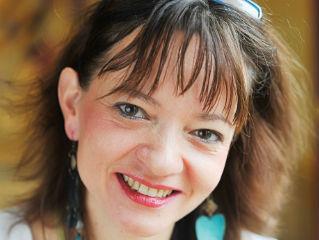 Kozár Alexandra író, publicista