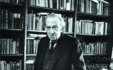 Lukács György filozófus (1885 -1971) infó: https://hu.wikipedia.org/wiki/Luk%C3%A1cs_Gy%C3%B6rgy_(filoz%C3%B3fus)