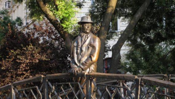 Nagy Imre szobra - fotó: hirtv.hu