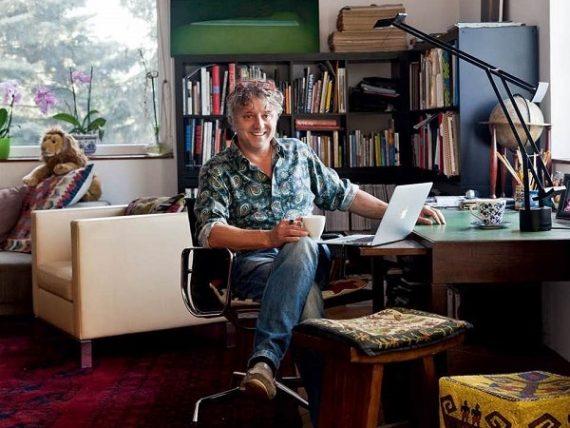 Bojár Iván András író, publicista, művészettörténész - fotó: Nők Lapja