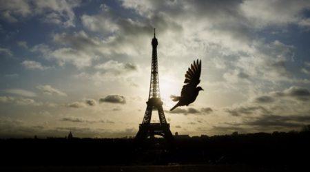 Párizson a világ szeme (Illusztráció: www.telegraph.co.uk)